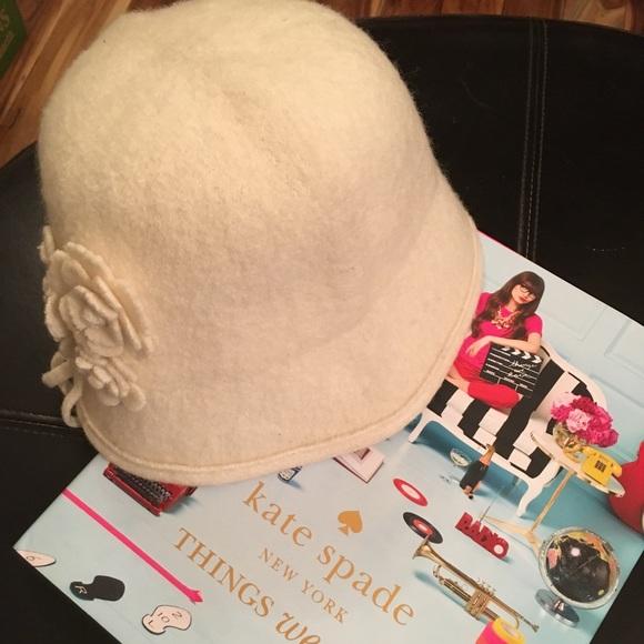 3edbeabf258c4 kate spade Accessories - Kate Spade Cream Wool Cloche Hat Flower Detail EUC